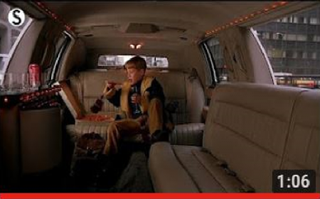 Home Alone 2 : Lost In New York * Kevin eats Pizza in White Cadillac