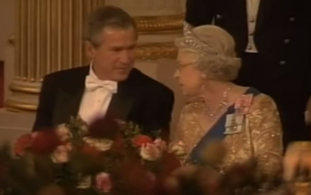 USA President George W. Bush attends dinner with Queen Elizabeth and Blairs